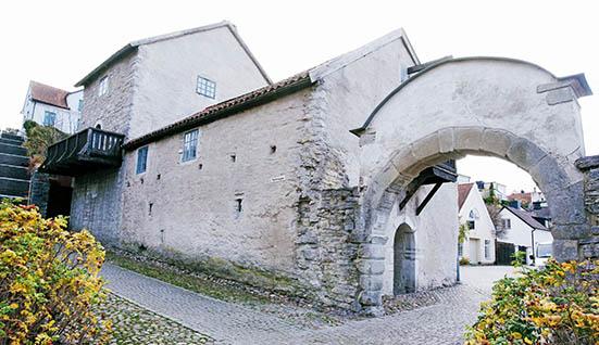 Modern teknik ger komfort i medeltida hus