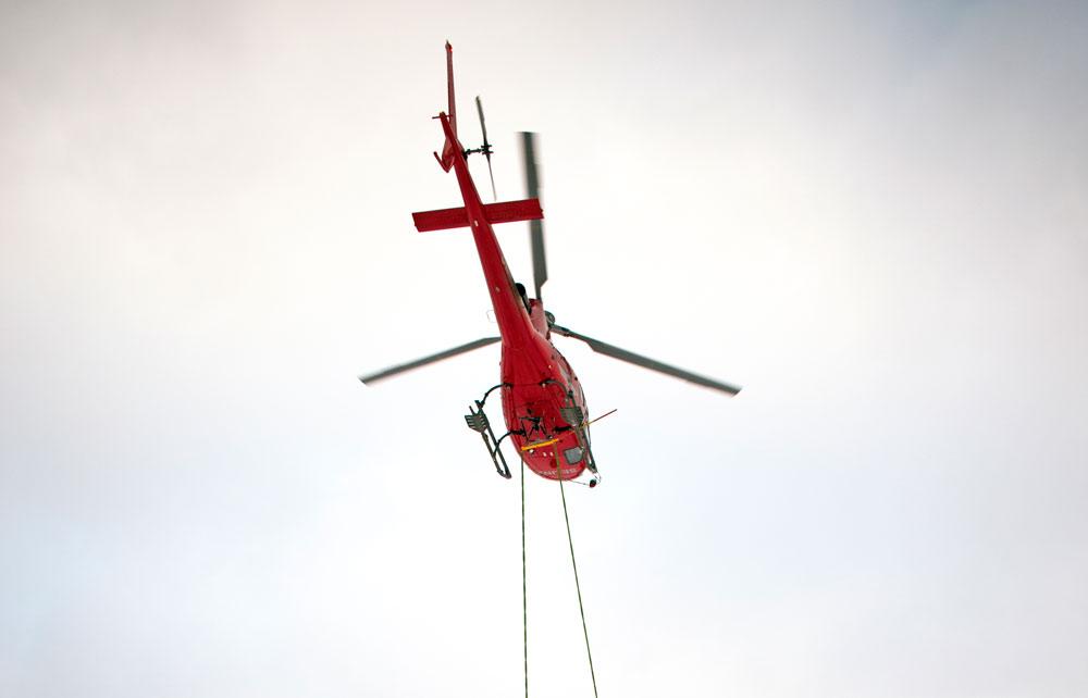 Projektpackning och helikopterlyft sparade tid vid byggnation av luftledning