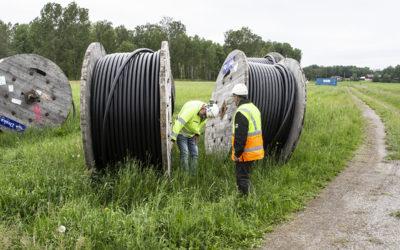Linjemontage utför kabelförläggning i Hallsberg