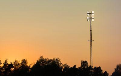 Strålkastare från Cebe lyser upp Torvalla IP