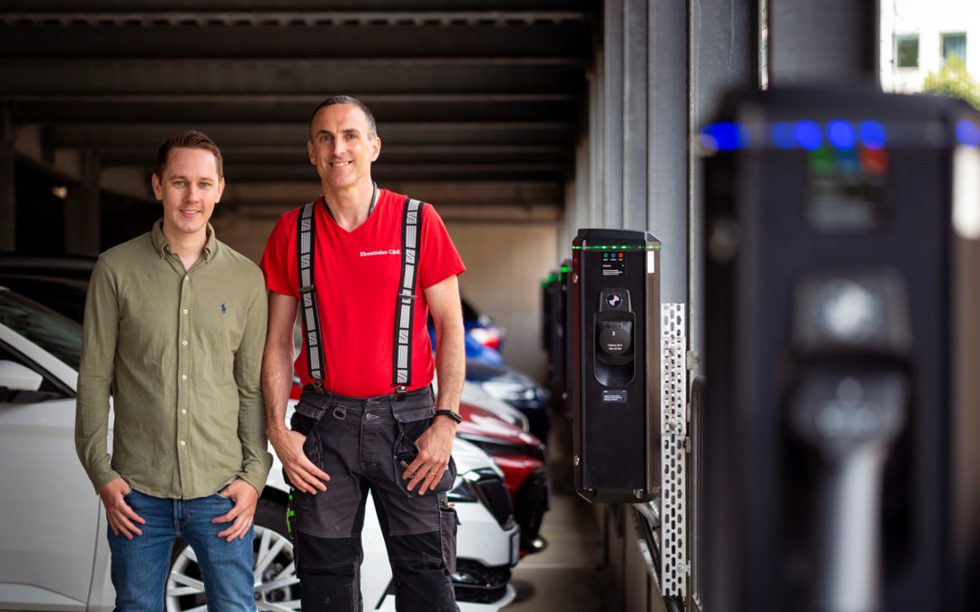 Brf Liljeholmsberget framtidssäkrar – utrustar hälften av garageplatserna med laddboxar